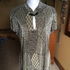 GUC Dressbarn tunic in beautiful condition!
